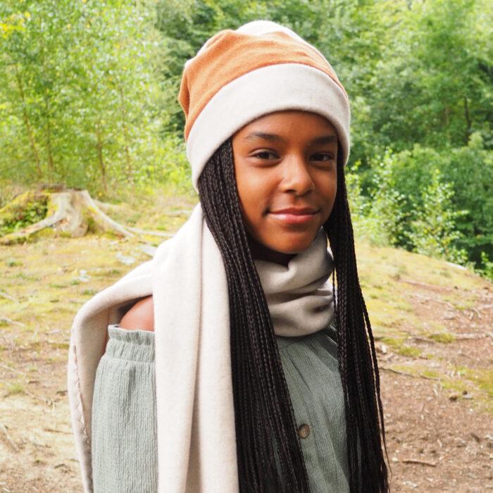 Biuwaa Schal Fleece in Creme mit Zweierlei Mütze
