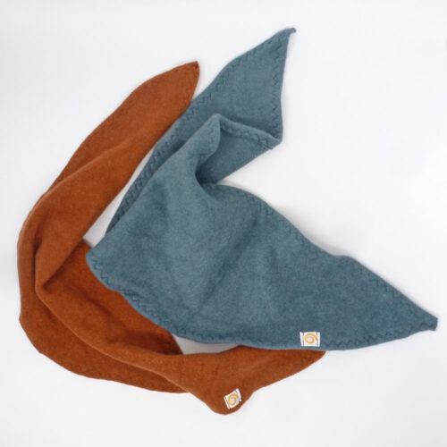 Dreieckstuch aus Fleece in Zimt und Eisblau