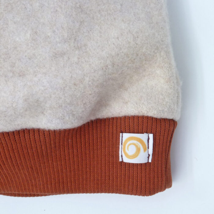 Mütze Fleece Pur Detail Modell Rost