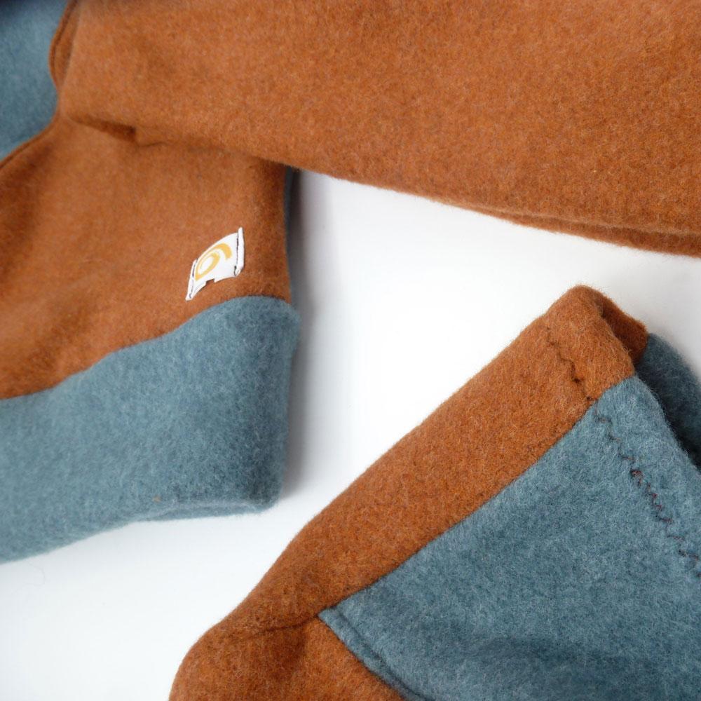 Biuwaa Mütze Zweierlei Eisblau mit Zimt Detail